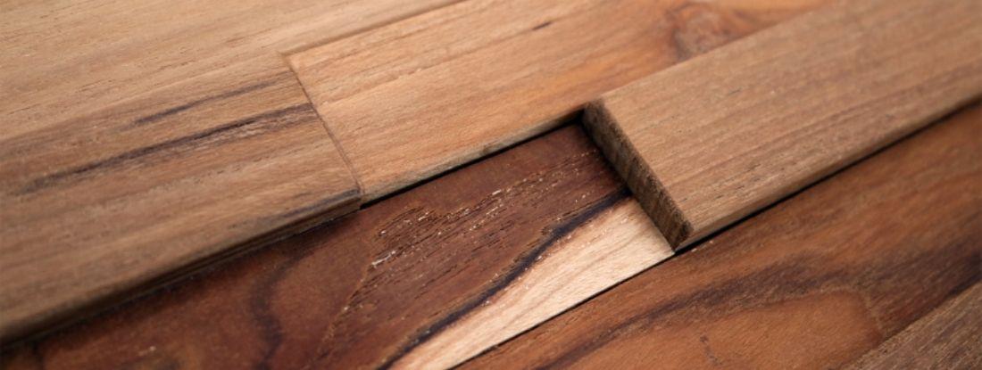 Plaquette de parement en bois relief